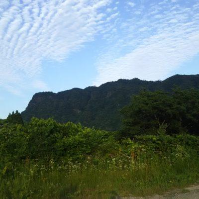 夕暮れの冠岳です。