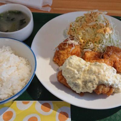 Cafe MOGの絶品・チキン南蛮!