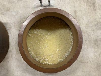かめ壺を洗浄しました。
