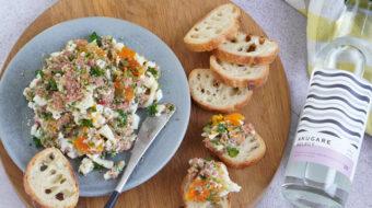 〔レシピ〕コンビーフと茹で卵の春色ディップ
